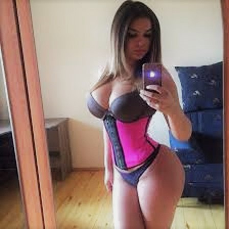 Pink waist tamer Faja Deportiva selfie with it on
